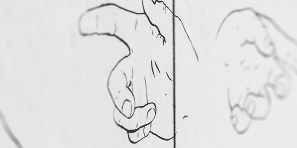 A la mà, la memòria - Pilar Cruz, Un monstruo que dice la verdad