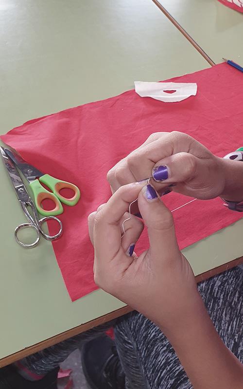 Taller tèxtil a l'institut Doctor Puigvert