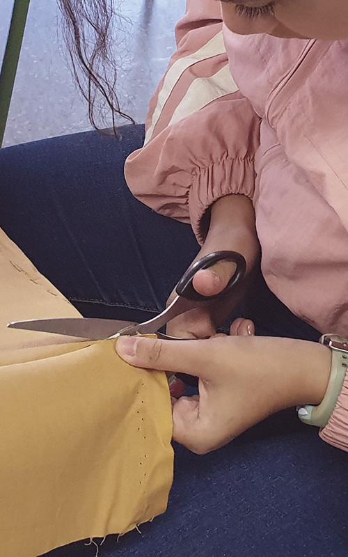 Art tèxtil amb els alumnes del Doctor Puigvert